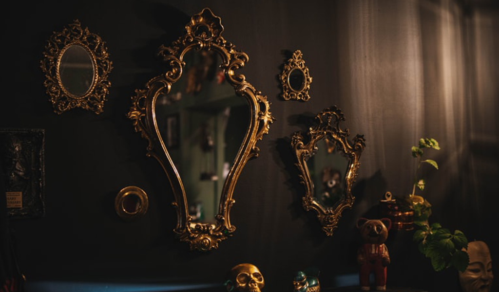 How to Buy The Best Decorative Frame mirror work Tips